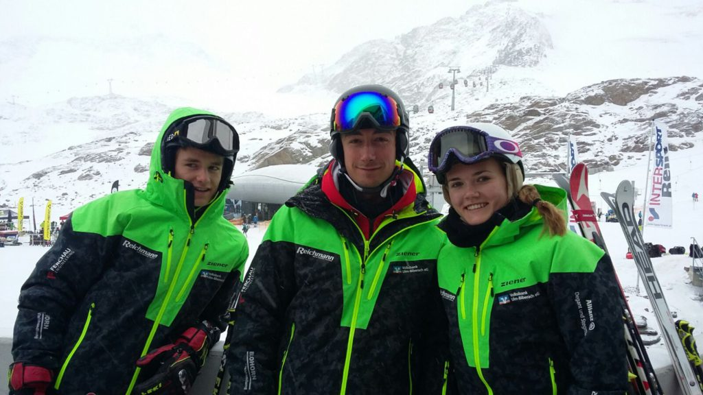 Unsere Trainer Louisa Kern und Moritz Reulein (v.r.n.l.) mit Trainerassistent Linus Reulein